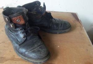 Sepatu legenda
